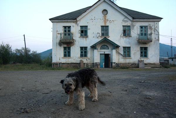 пос. Бурхала, интересный Дом.