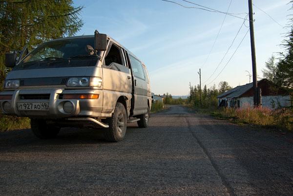 Наш автотранспорт на улицах Усть-Среднекана =)