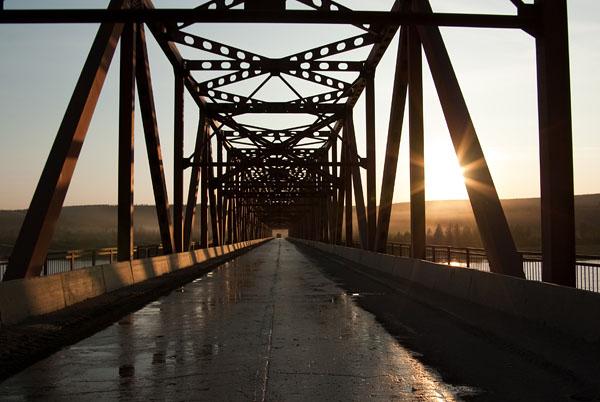 Мост через реку Колыму