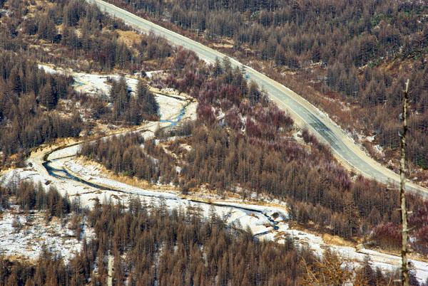 Вид на долину с колымской трассой