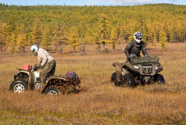 """Кто в лес, кто по дрова =) Квадроциклы тоже спешат к точке """"Проклятье штурмана"""""""